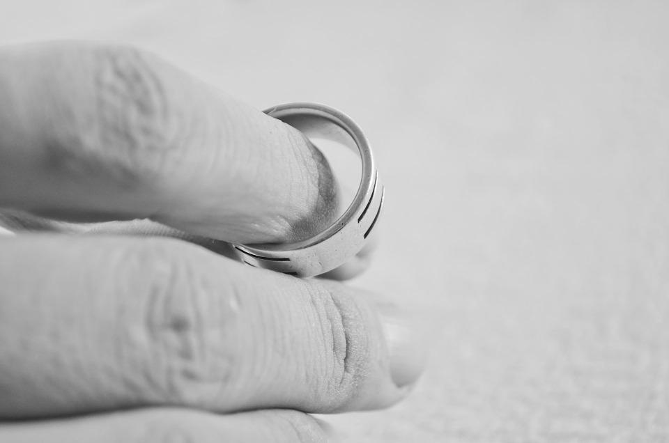 Dlaczego jest coraz więcej rozwodów?